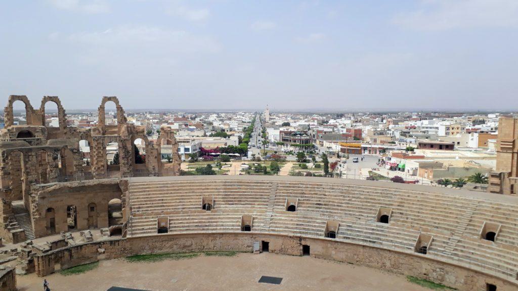 Vista desde el anfiteatro sobre El Djem