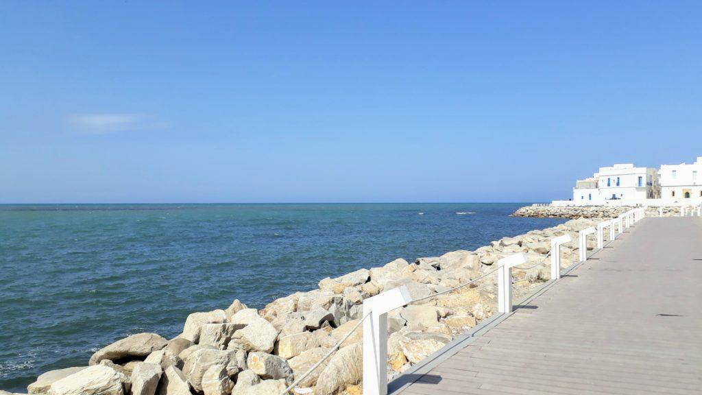 Sendero costero en Mahdía