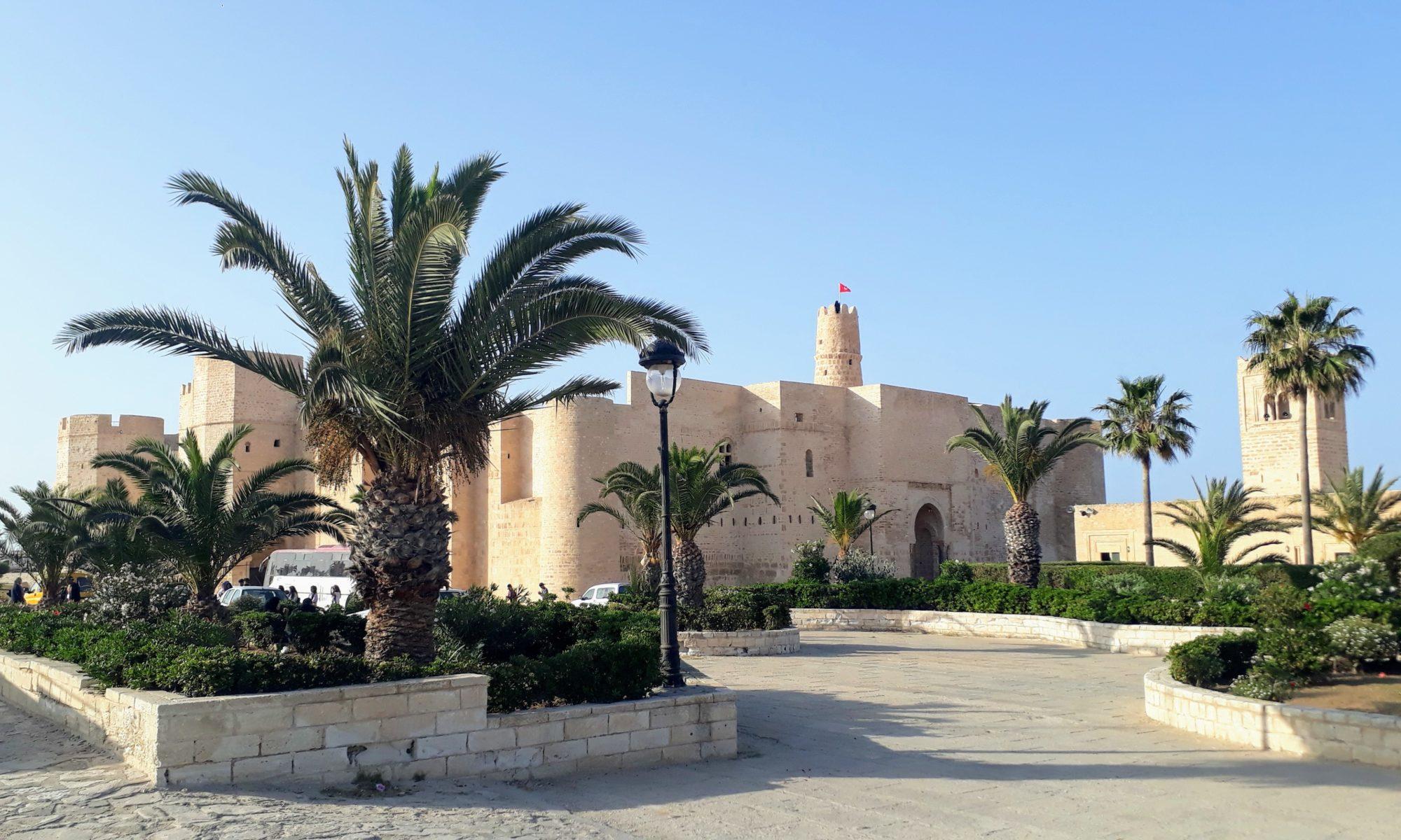 Monastir: Lugar de Vacaciones Relajadas con Ribat