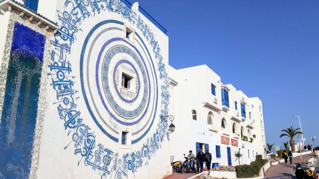 Casa con pintura mural en Monastir Marina