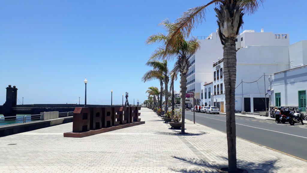 Paseo marítimo de la capital Arrecife
