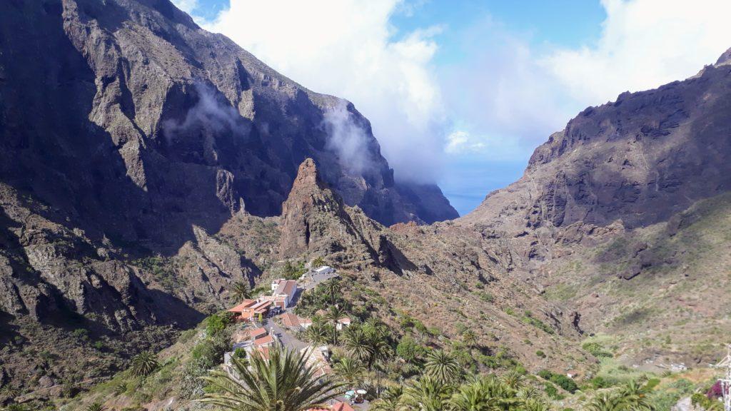 El pueblo de montaña de Masca a una altitud de unos 650 a 800 metros