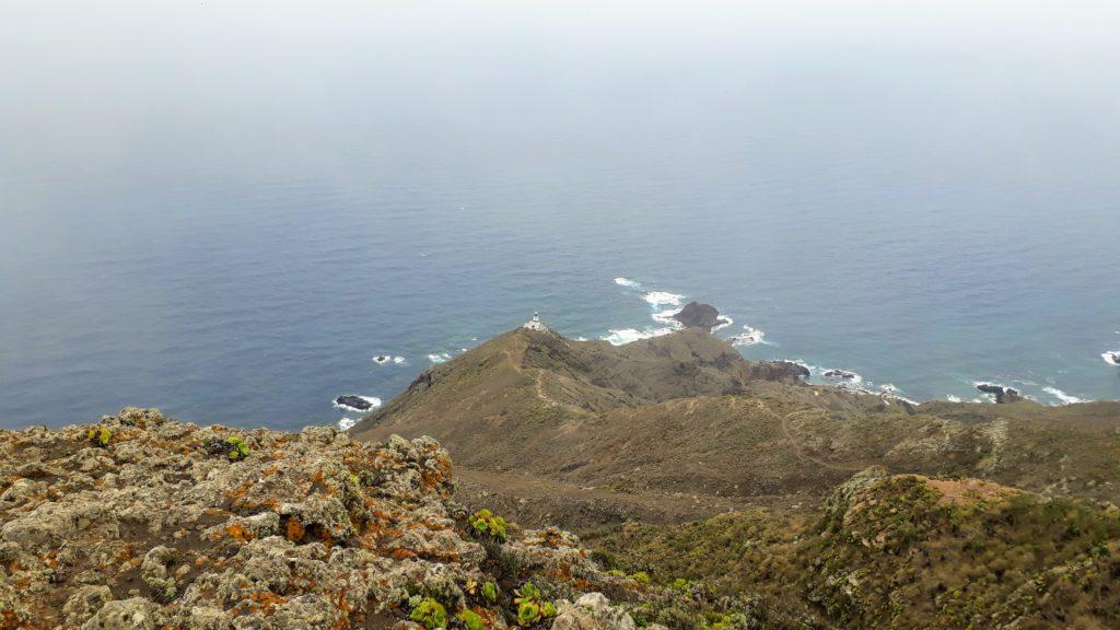Vista del Faro de Anaga desde lejos