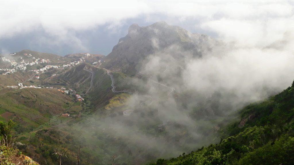 Aquí puede ponerse nebuloso: el Macizo de Anaga en Tenerife