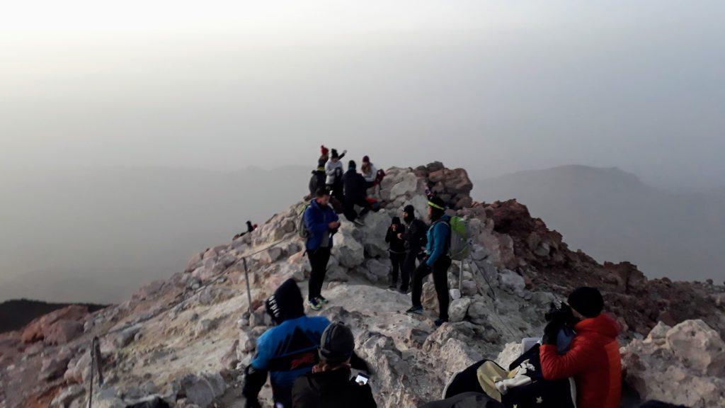 En el pico más alto de España, justo antes de la salida del sol: aquí puede haber mucha gente