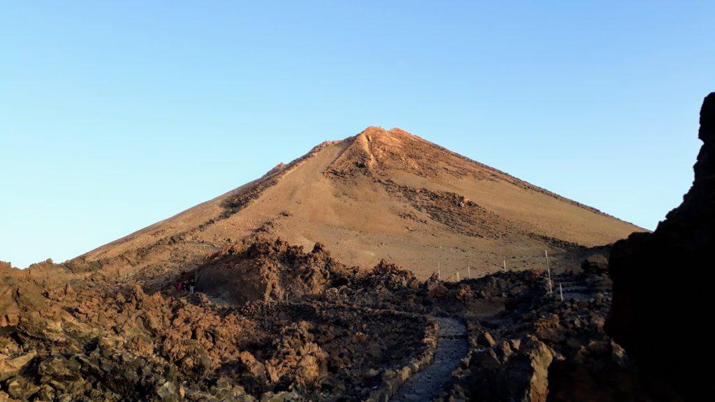 Los últimos 600 metros o 170 metros verticales hasta la cumbre del Teide: Para esto realmente necesitas un permiso