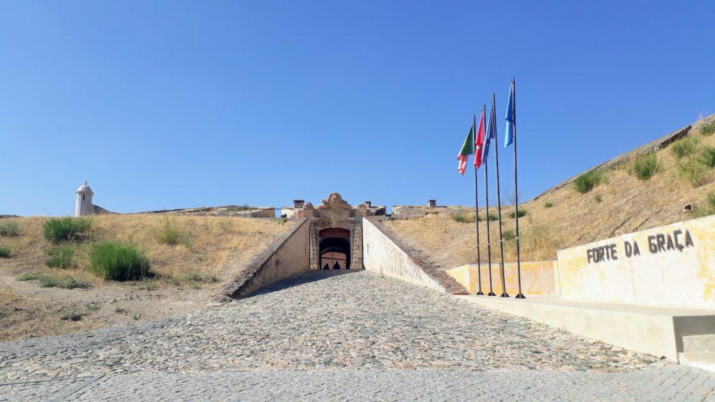 Entrada al Forte de Nossa Senhora da Graça
